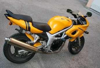 Przechwytywania wspaniały motocykl SUZUKI SV 650 S